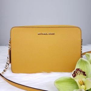 🌺NWT Michael Kors EW crossbody bag marigold purse